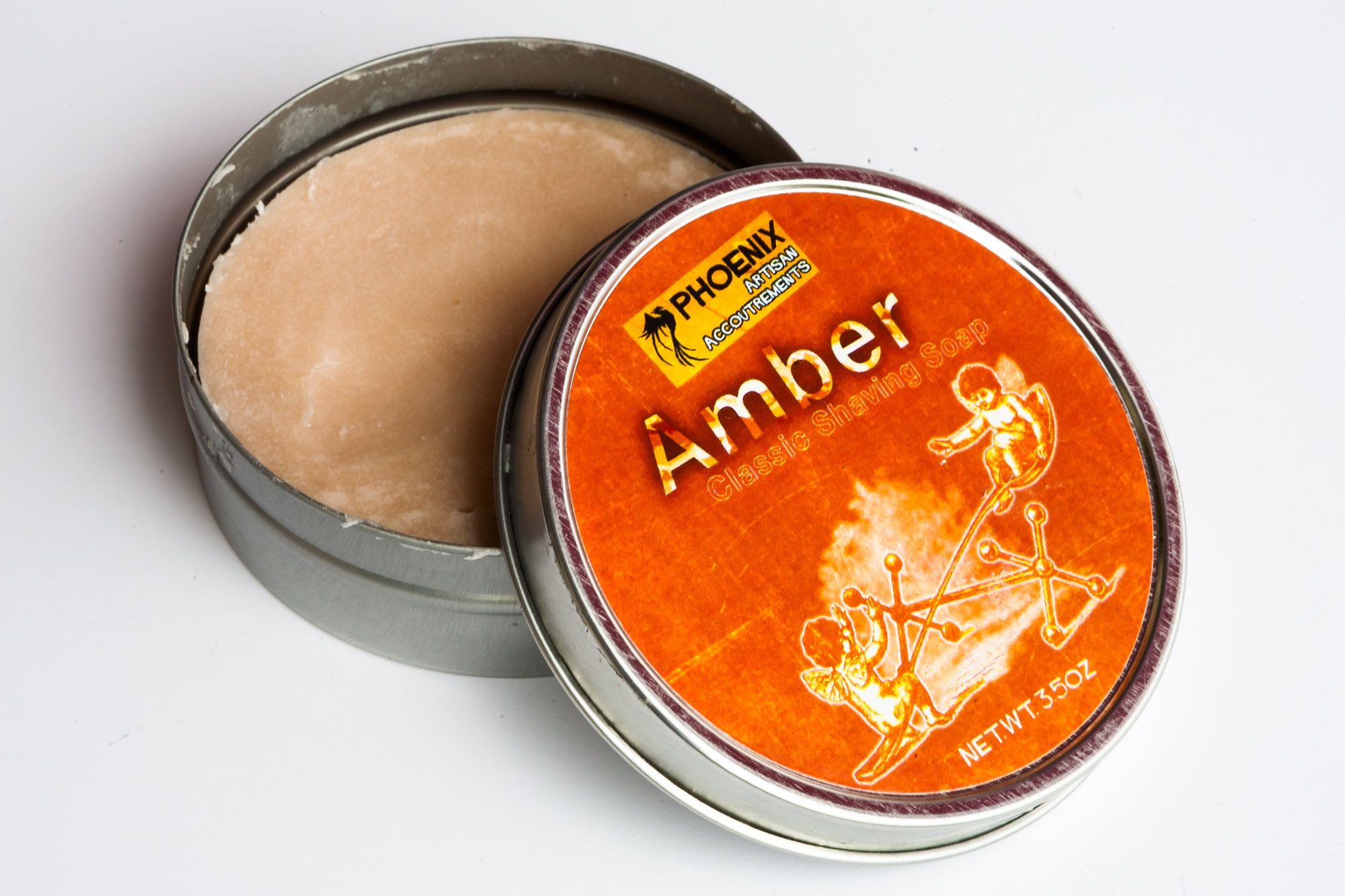 Konsystencja mydła do golenia Phoenix Artisan Accoutrements Amber Shaving Soap
