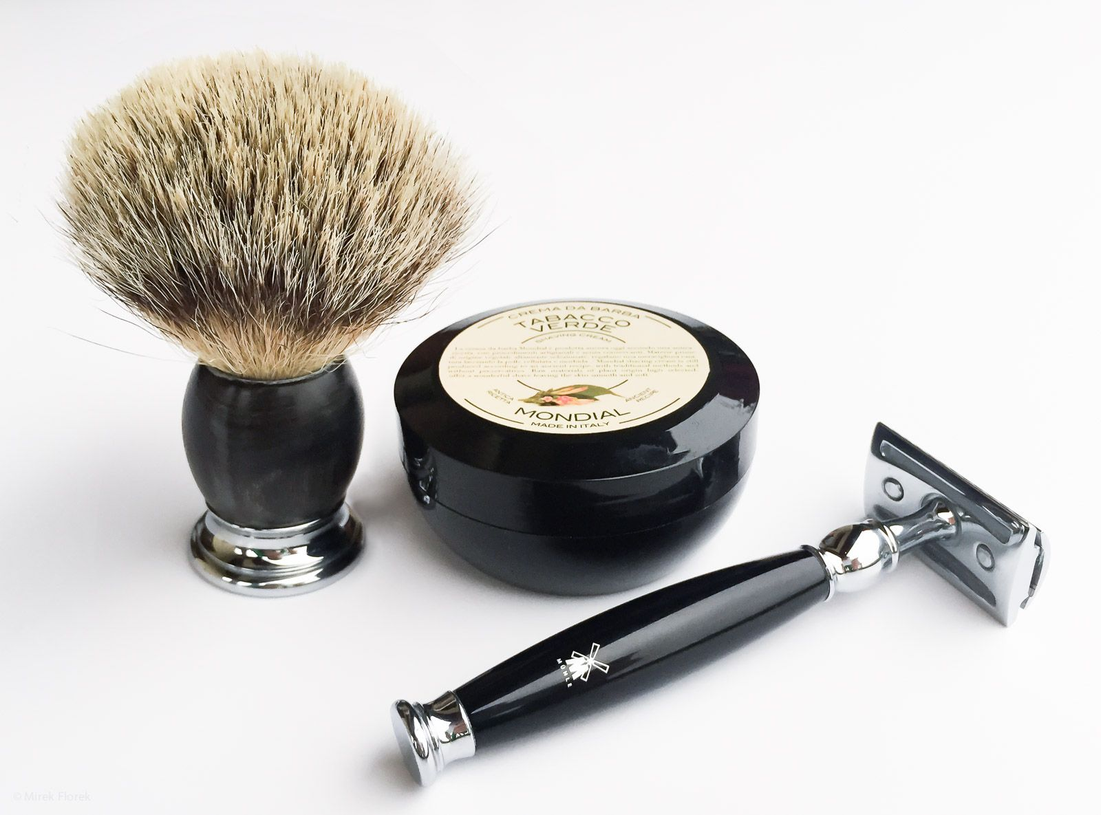 Golenie z kremem do golenia Mondial Crema da Barba Tabacco Verde (Shaving Cream)