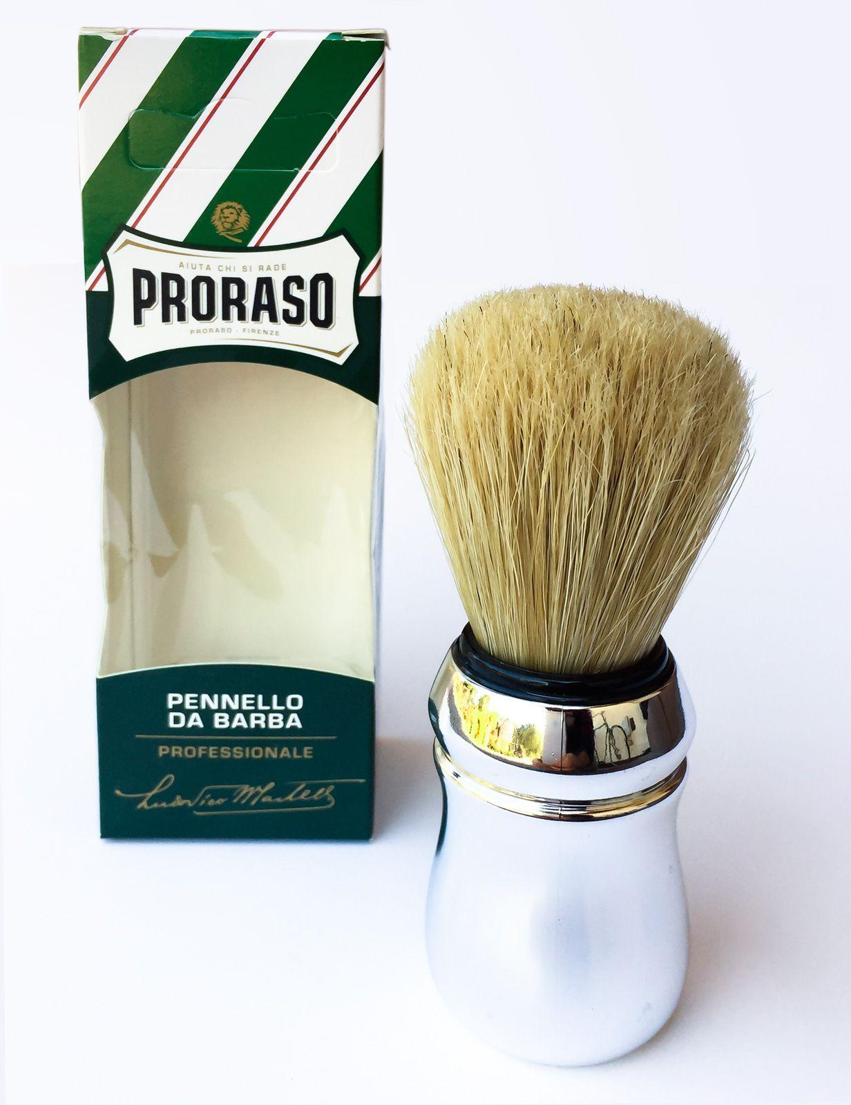 Pędzel do golenia Proraso po wyjęciu z opakowania