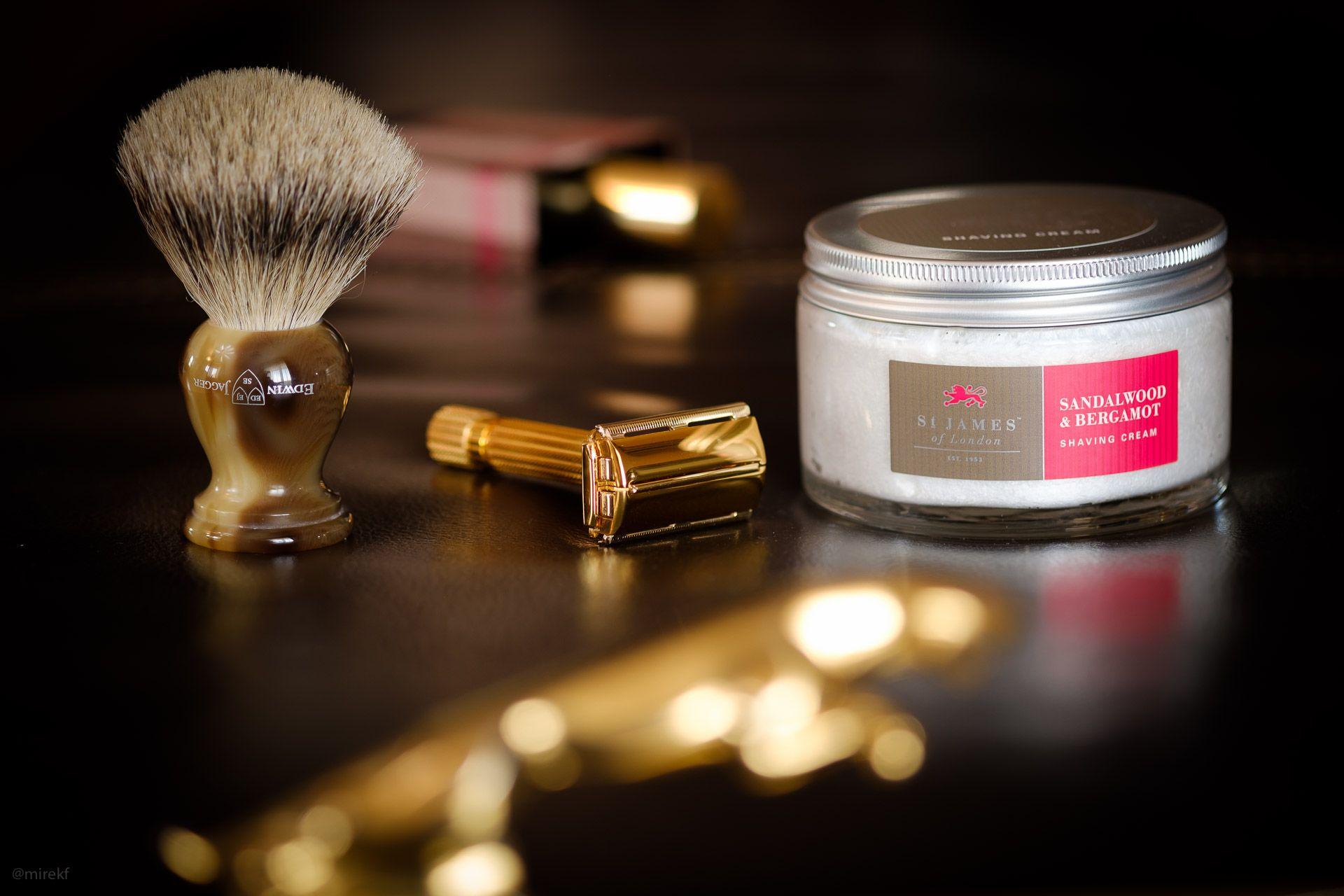 st.james-sandalwood&bergamot-shaving-cream-scenka2