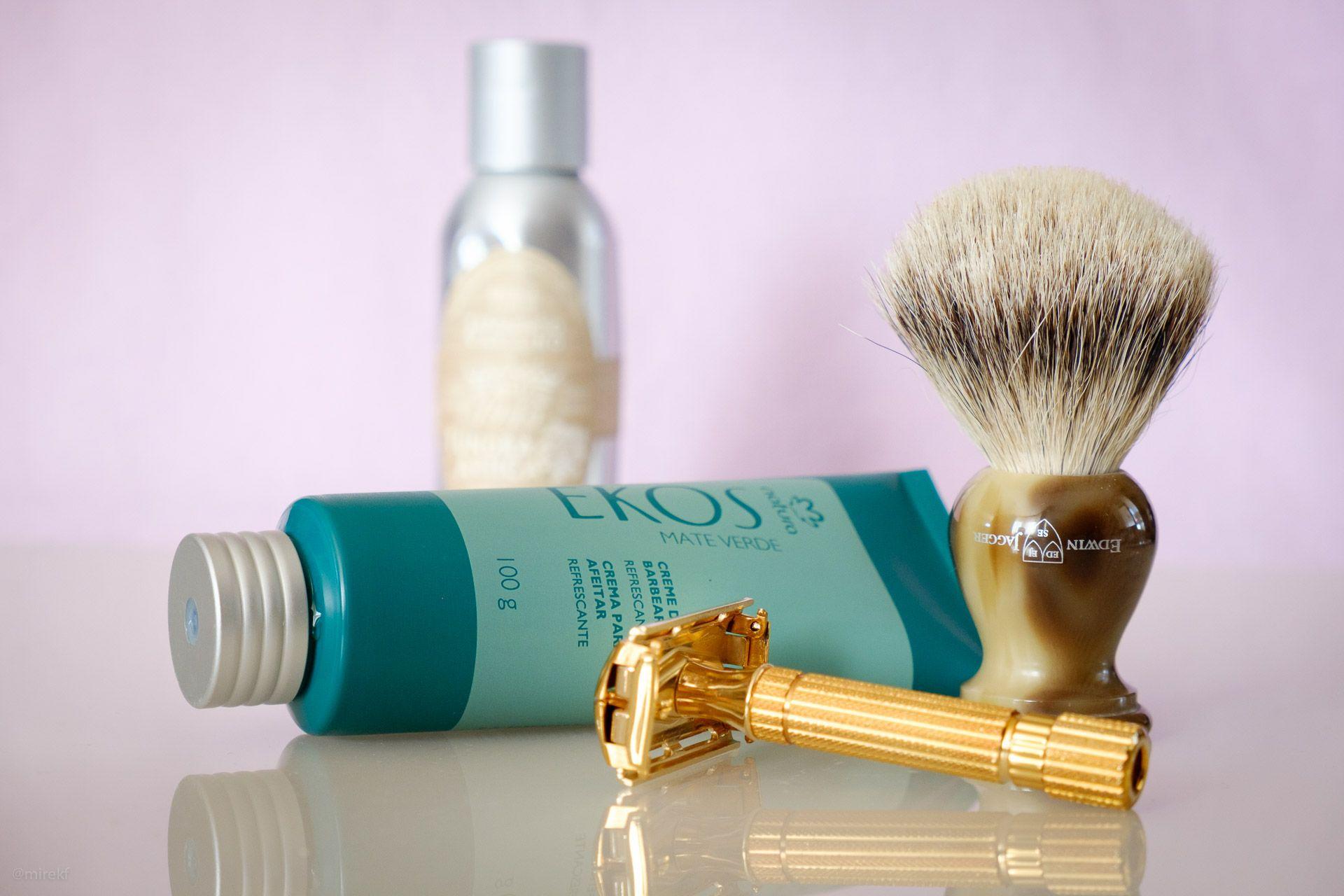 natura-ekos-mate-verde-shaving-cream-scenka1