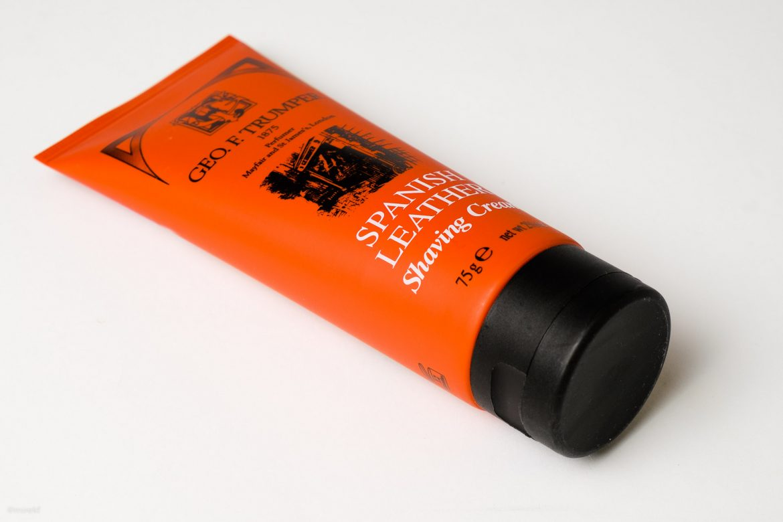 Geo-F-Trumper-Spanish-Leather-Shaving-Cream-hor