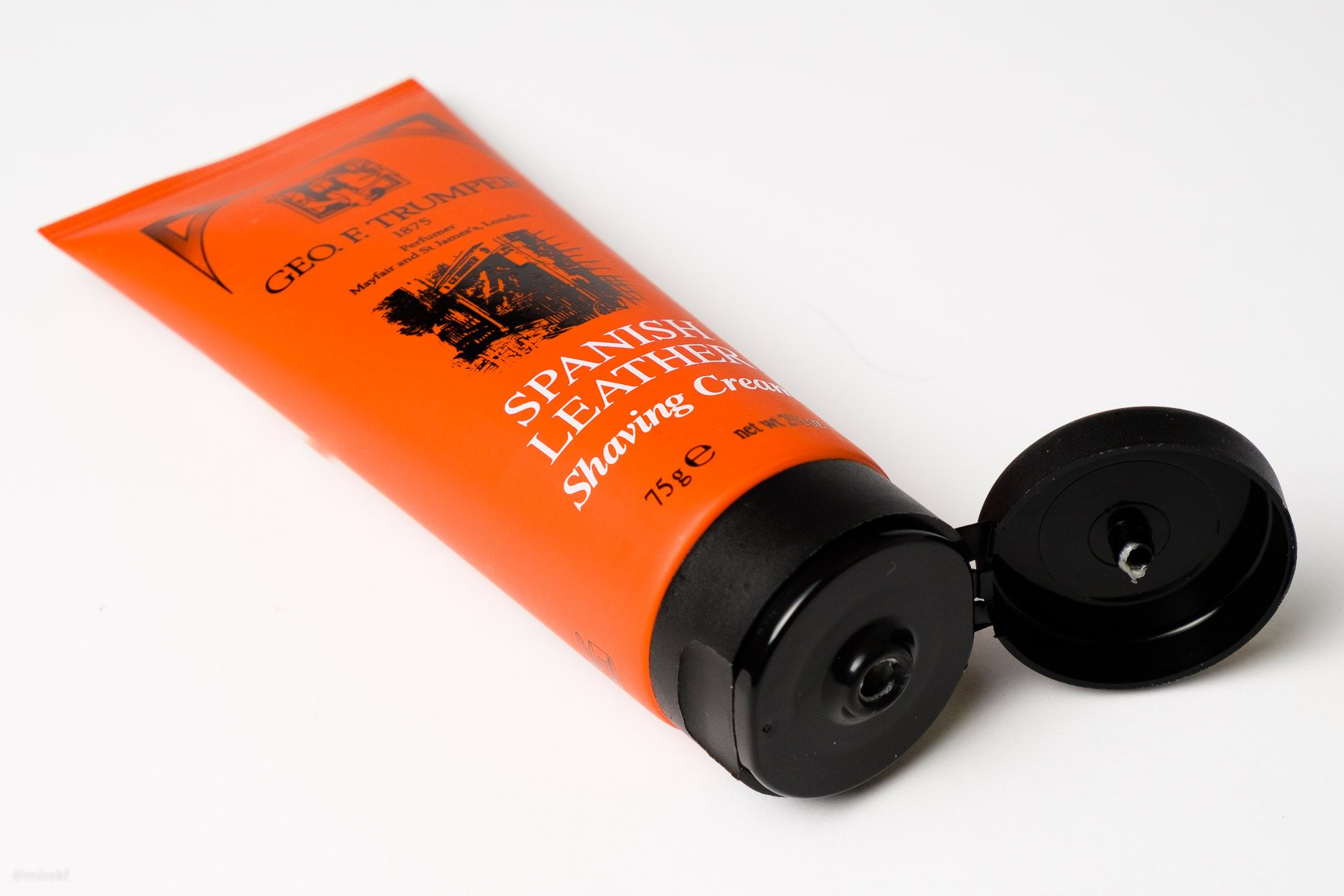 Opakowanie kremu do golenia Geo. F. Trumper Spanish Leather Shaving Cream