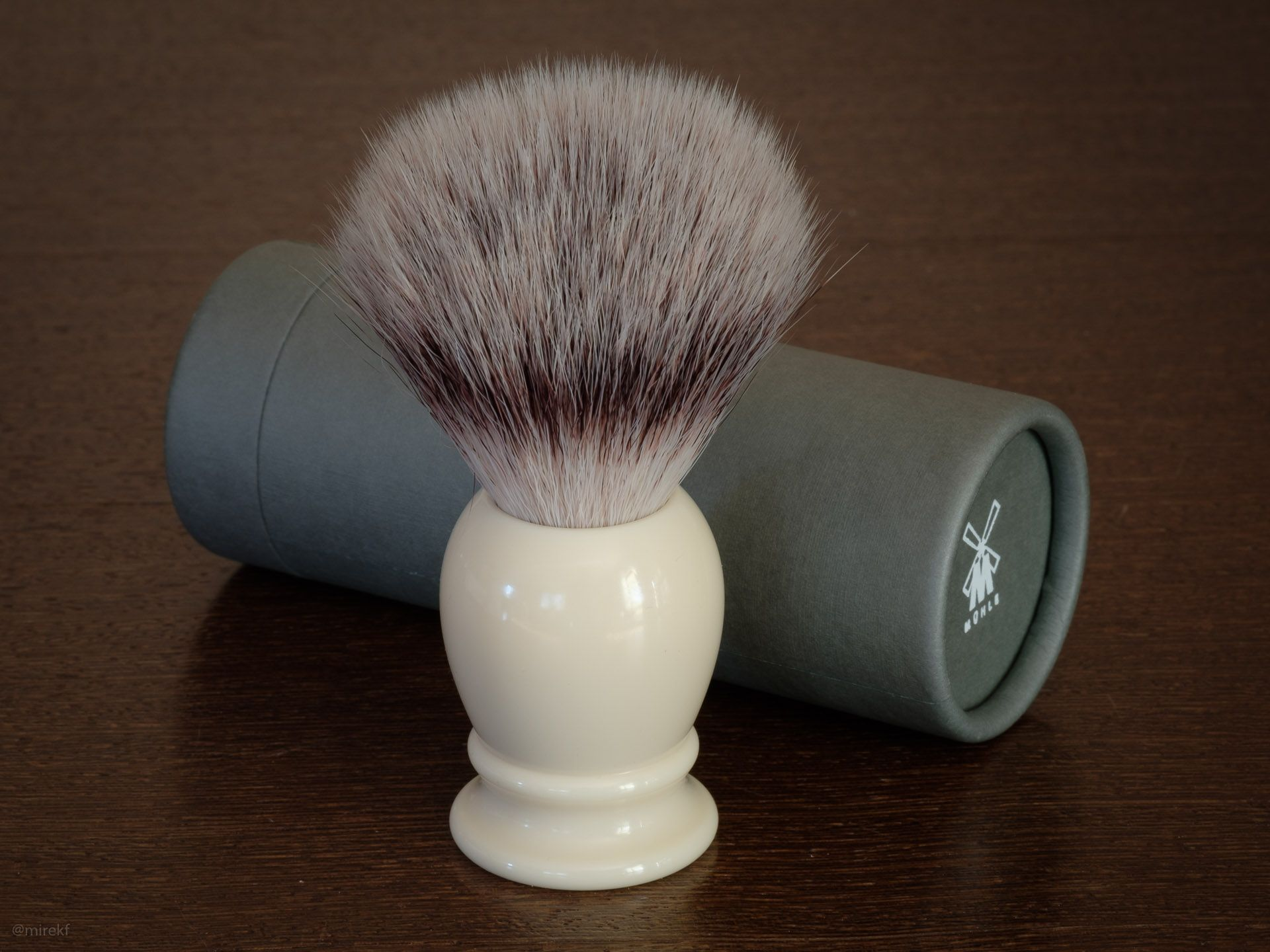 Muhle-Classic-Synthetic-Brush-L-packaging4