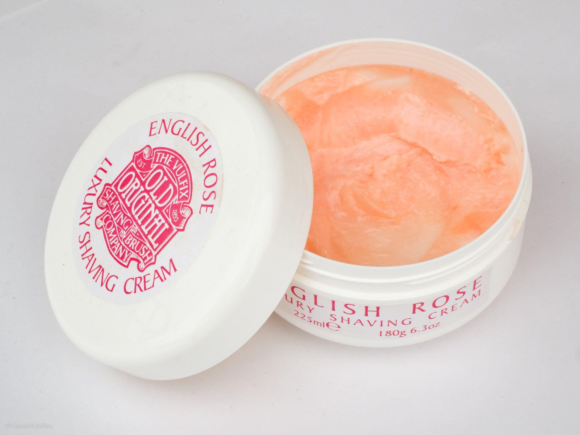 Konsystencja i wygląd kremu do golenia Vulfix English Rose Shaving Cream