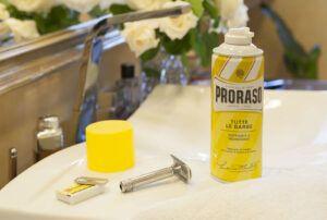 Read more about the article Pianka do golenia Proraso Nutriente Rigenerante (linea gialla, linia żółta, yellow line) – recenzja pianki do golenia