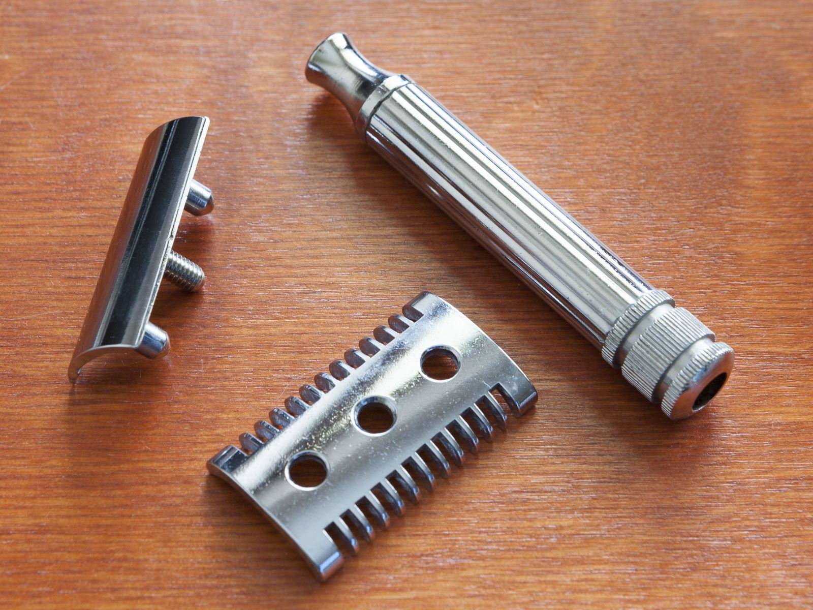 Maszyna Fatip rozłożona na części