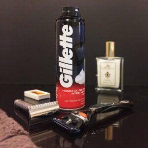 Read more about the article Gillette pianka do golenia skóry normalnej (Regular Shaving Foam) – recenzja