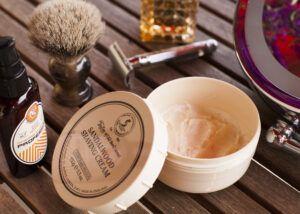 Read more about the article Taylor of Old Bond Street Sandalwood Shaving Cream – recenzja kremu do golenia