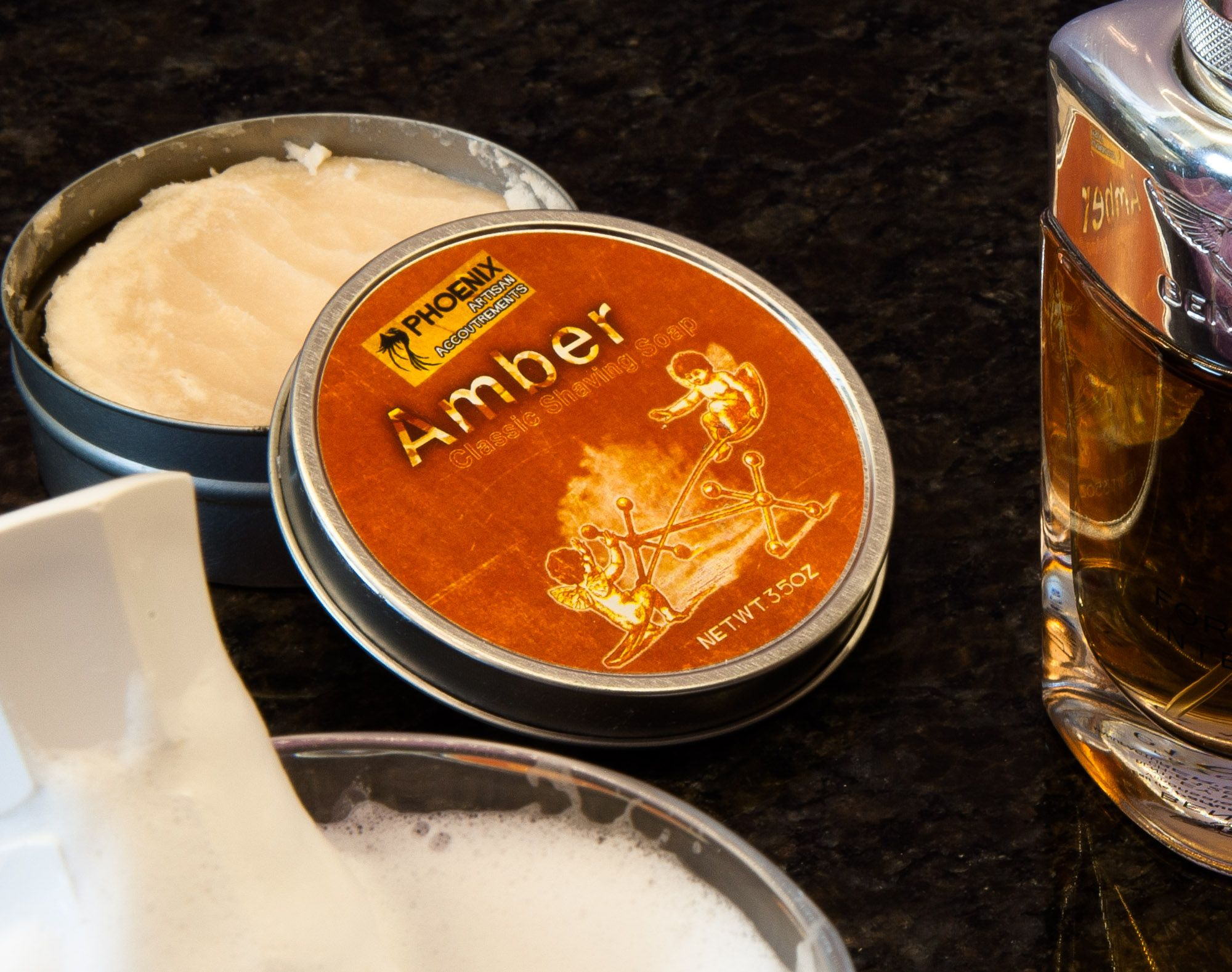 You are currently viewing Phoenix Artisan Accoutrements Amber Shaving Soap – recenzja mydła do golenia