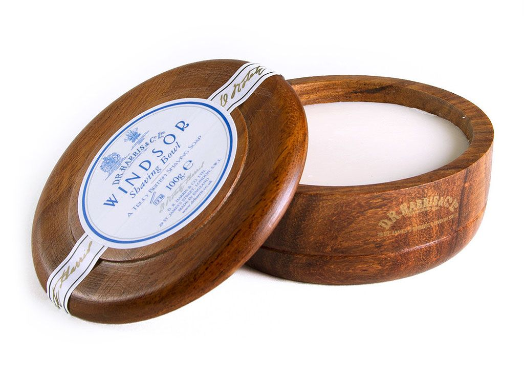 You are currently viewing D. R. Harris Windsor Shaving Soap – recenzja mydła do golenia