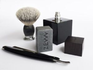 Read more about the article SOTD – Black and white shaving with charcoal soap