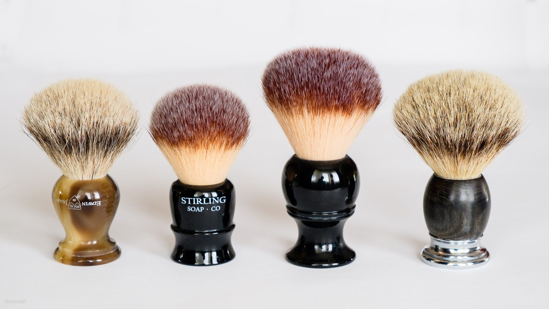 Porównanie pędzla do golenia Stirling Synthetic Shave Brush 22 mm (Li'l Brudder) z Mühle Sophist, Maggard 24 mm i Edwin Jagger Super Badger 22 mm