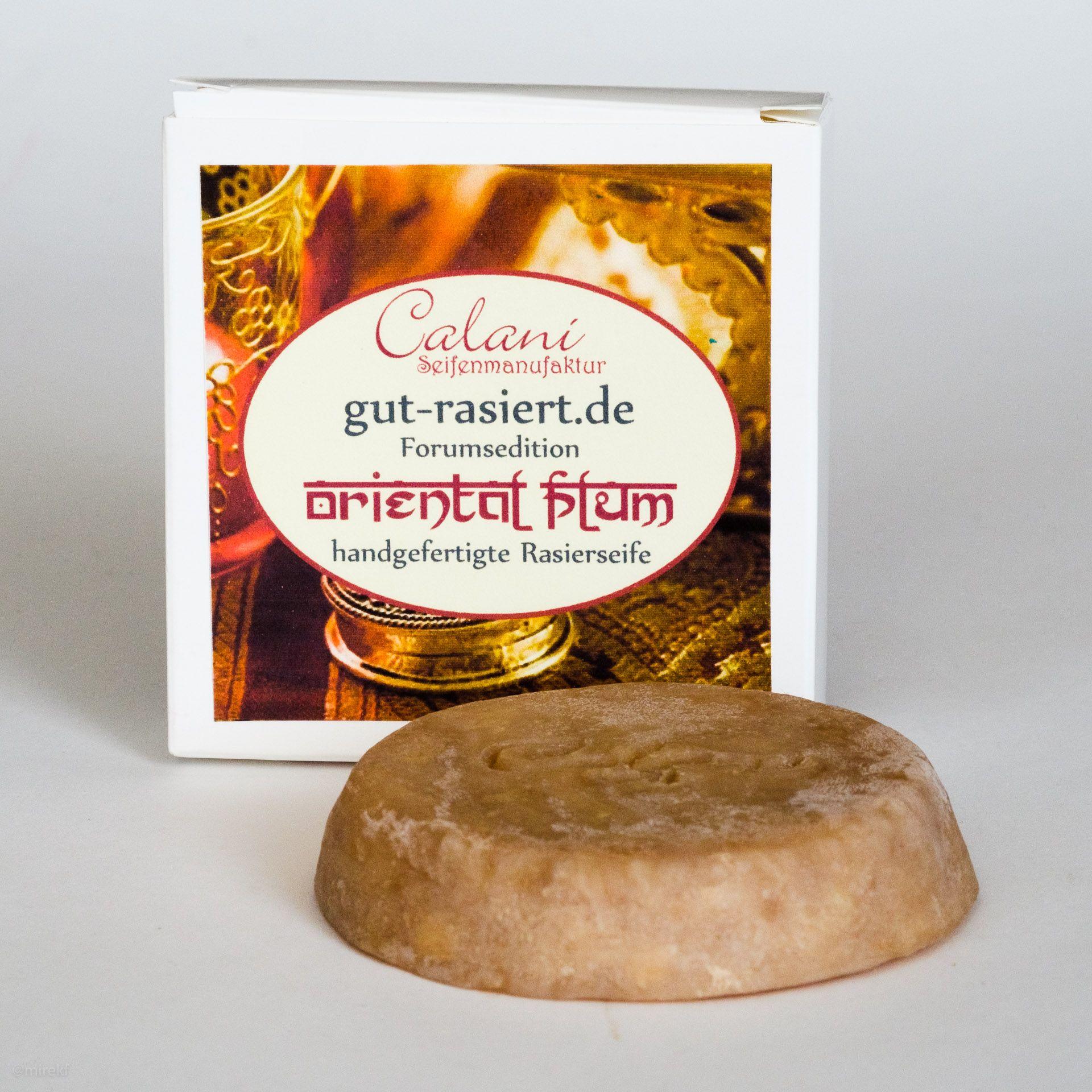 You are currently viewing Calani Oriental Plum Rasierseife (Shaving Soap) – recenzja mydła do golenia