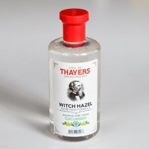 Read more about the article Thayers Witch Hazel Cucumber Alcohol Free Toner – recenzja toniku po goleniu