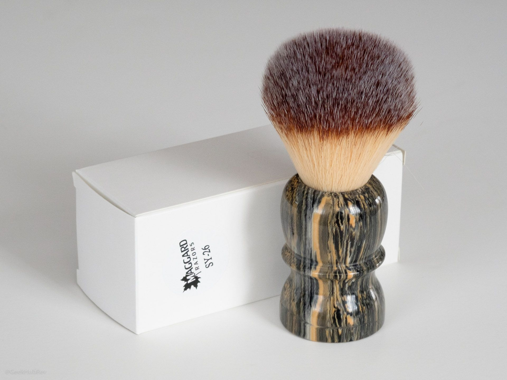 You are currently viewing Maggard Razors SY-26 26mm Synthetic Shaving Brush, Granite Handle – recenzja syntetycznego pędzla do golenia