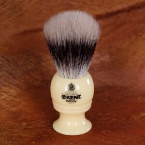 Read more about the article Kent Infinity Silvertex Synthetic Shaving Brush – recenzja syntetycznego pędzla do golenia