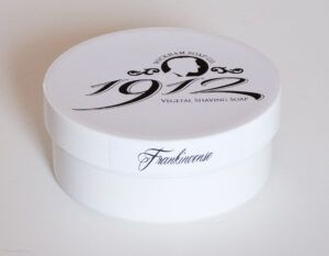Read more about the article Wickham 1912 Frankincense Shaving Soap – recenzja mydła do golenia